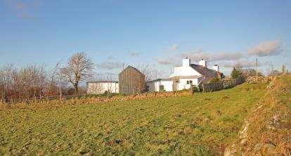 3 Bedrooms Detached House for sale in Carmel, Caernarfon, Gwynedd, LL54