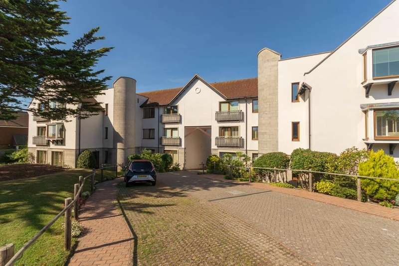 3 Bedrooms Penthouse Flat for sale in Bazehill Manor, 27 Bazehill Road, Rottingdean, Brighton BN2