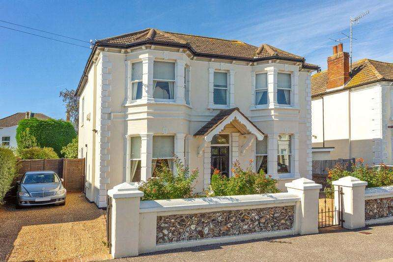4 Bedrooms Detached House for sale in Christchurch Road, Worthing