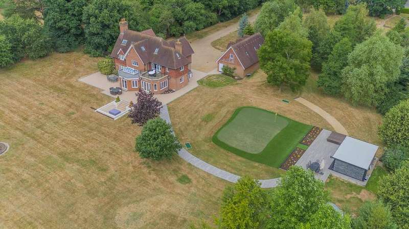 7 Bedrooms Detached House for sale in Outwood Lane, Kingswood