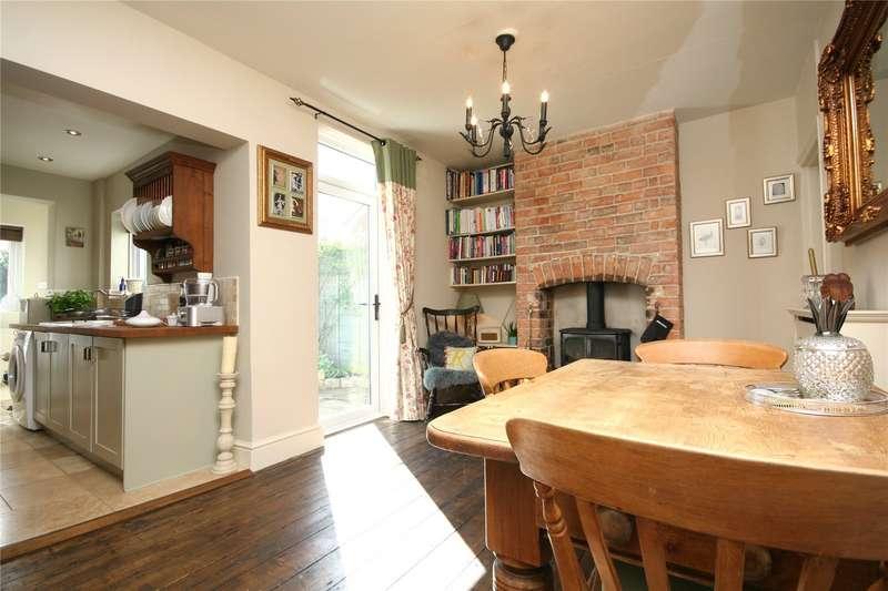 3 Bedrooms Property for sale in Cudnall Street Charlton Kings Cheltenham GL53