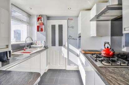 3 Bedrooms Bungalow for sale in Clifton Avenue, Accrington, Lancashire, BB5