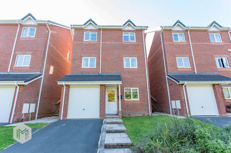 4 Bedrooms Detached House for sale in Valley Close, Bury, BL8