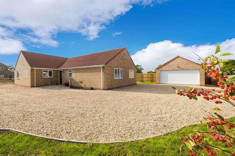3 Bedrooms Bungalow for sale in 'Fairfields' Station Road, Langworth