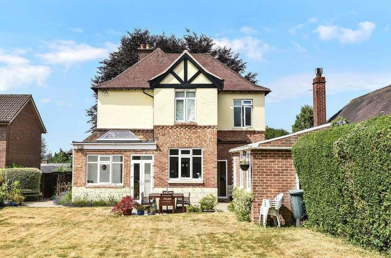 4 Bedrooms Detached House for sale in Bowes Hill, Rowlands Castle, PO9