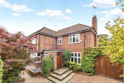 4 Bedrooms Detached House for sale in Wimborne Avenue, Chislehurst