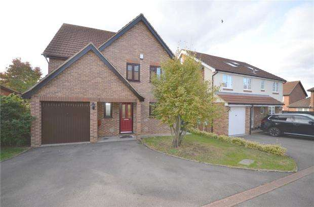 4 Bedrooms Detached House for sale in Norfolk Chase, Warfield