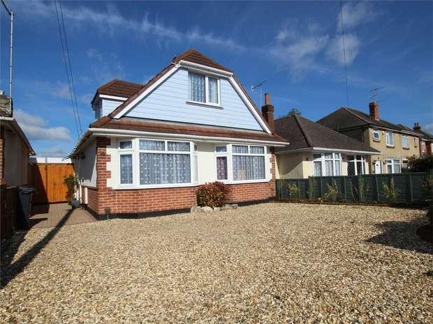 4 Bedrooms Chalet House for sale in Curlieu Road, Oakdale, POOLE, Dorset