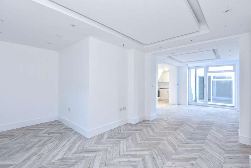 1 Bedroom Flat for sale in Anerley Road London SE19