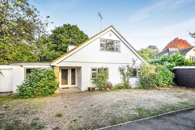 4 Bedrooms Detached House for sale in Lower Cookham Road, Maidenhead, SL6