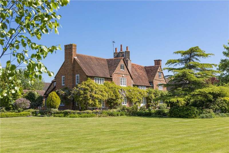 6 Bedrooms Detached House for sale in Pirbright, Nr Guildford and Woking, Surrey, GU24