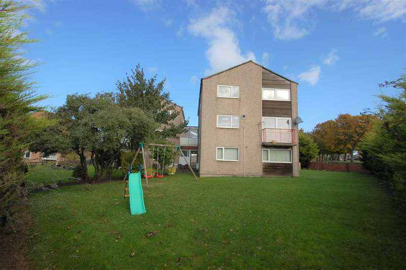 3 Bedrooms Apartment Flat for sale in Mcgrigor Road, Rosyth