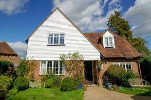 3 Bedrooms Detached House for sale in High Street, Burwash, Etchingham, East Sussex