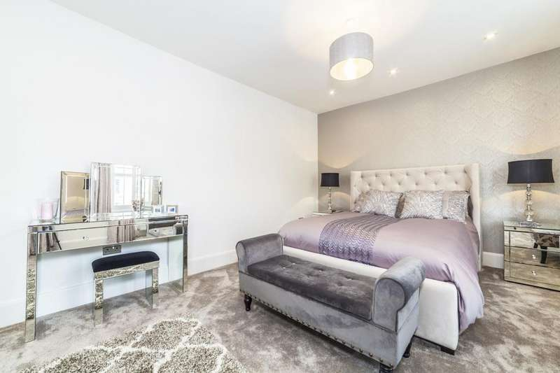 5 Bedrooms Semi Detached House for sale in Clova Road, Forest Gate, London, E7