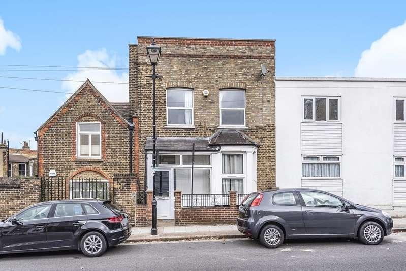4 Bedrooms End Of Terrace House for sale in Hollydale Road Peckham SE15