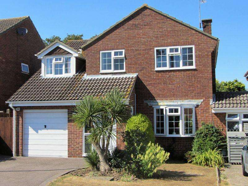 4 Bedrooms Detached House for sale in Fry Close, Southampton