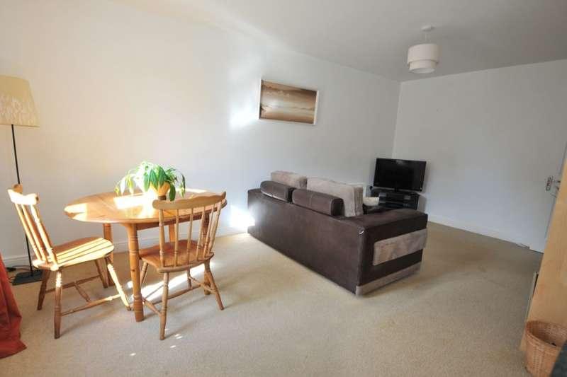 1 Bedroom Flat for sale in Carpenters Lane, Keynsham, Bristol, BS31