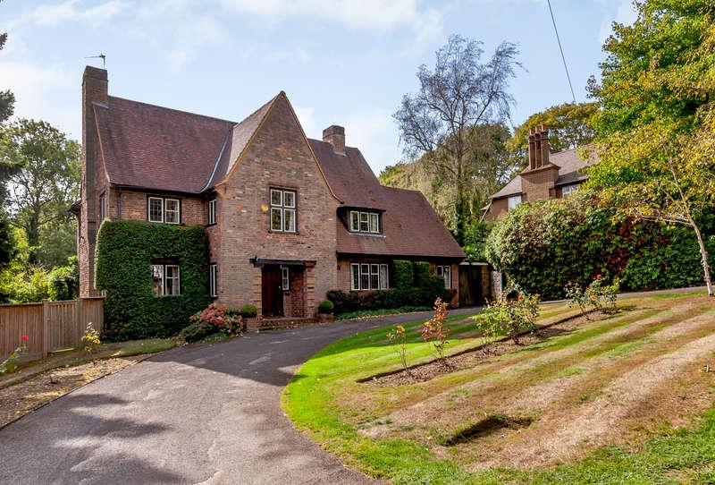 4 Bedrooms Detached House for sale in Moor Park