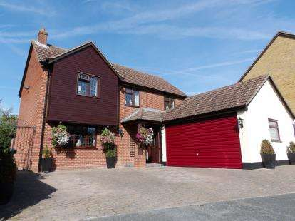 4 Bedrooms Detached House for sale in Billericay, Essex