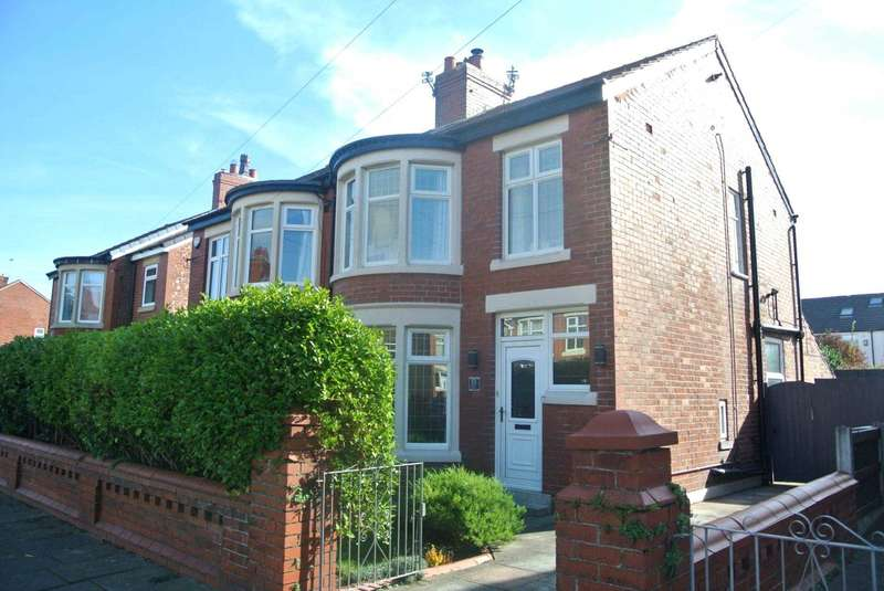 3 Bedrooms Semi Detached House for sale in Belvere Avenue, Blackpool, FY4 2LW