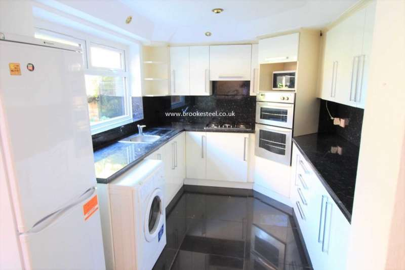 5 Bedrooms Semi Detached House for sale in Alresford Road, Salford