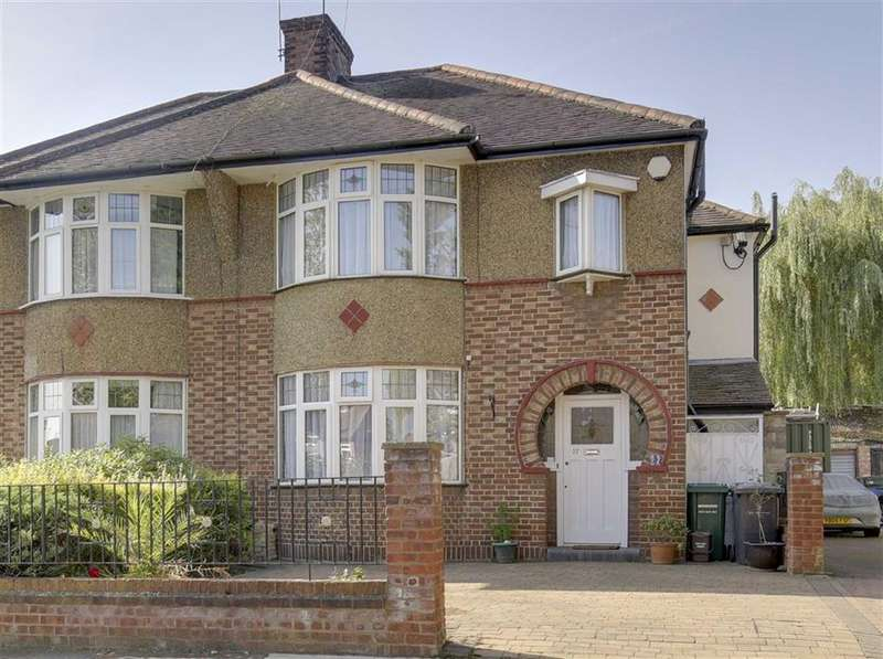 4 Bedrooms Semi Detached House for sale in Osborn Gardens, Mill Hill, London, NW7