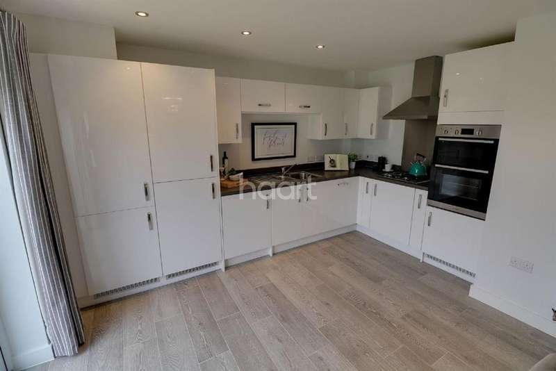2 Bedrooms Semi Detached House for sale in Marksbury Road, Bedminster