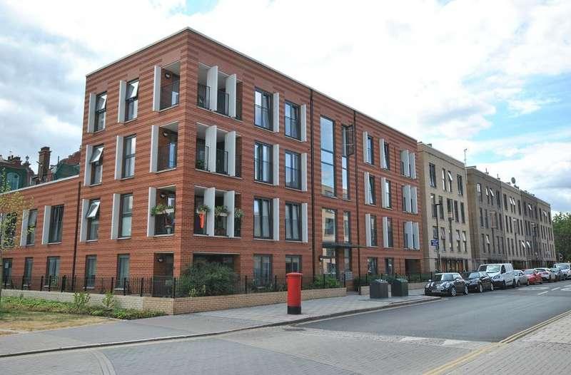 2 Bedrooms Flat for sale in Akerman Road Oval SW9