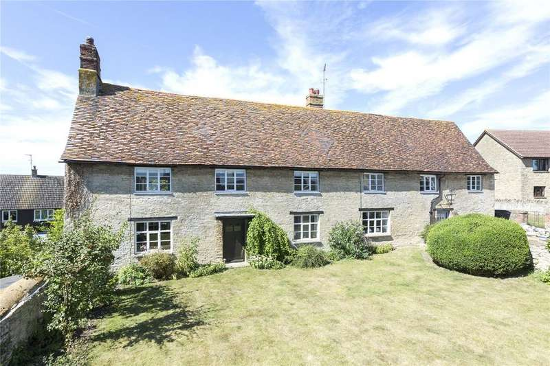 5 Bedrooms Detached House for sale in Dychurch Lane, Bozeat, Northamptonshire, NN29