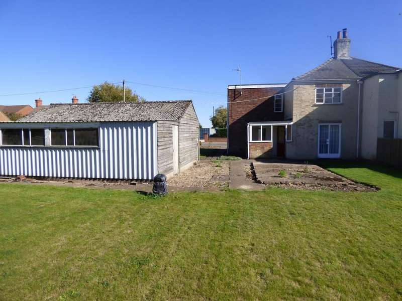 3 Bedrooms Semi Detached House for sale in Seas End Road, Moulton Seas End