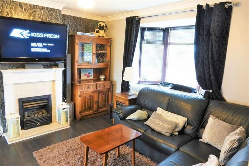 3 Bedrooms End Of Terrace House for sale in Arundel Road, Grangetown, Middlesbrough