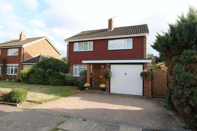 3 Bedrooms Detached House for sale in Webster Close, Maidenhead