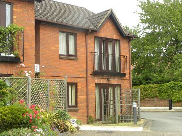 2 Bedrooms Retirement Property for sale in St Augusta Court,, Batchwood View, St Albans, Hertfordshire