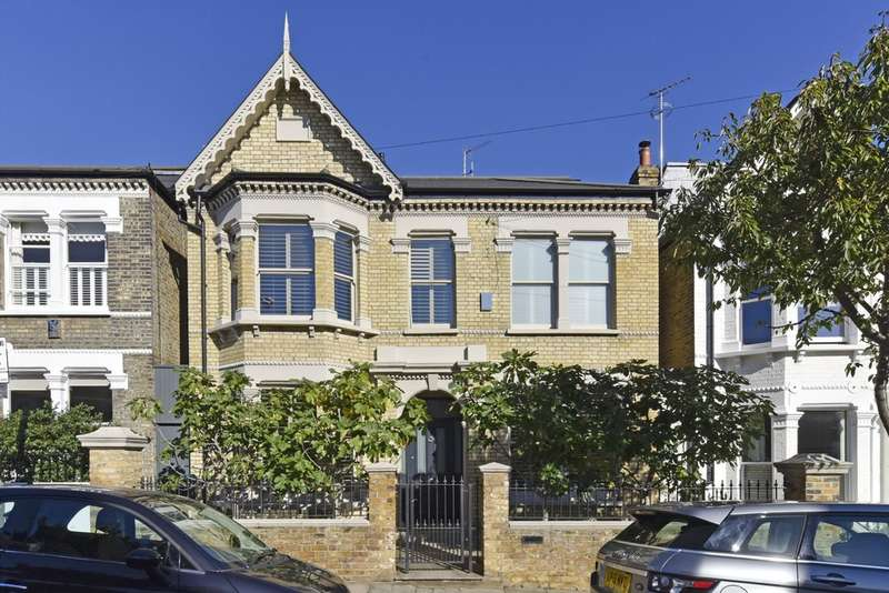 5 Bedrooms Detached House for sale in Honeywell Road, London SW11