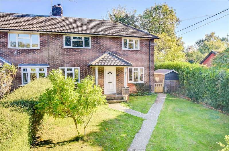 3 Bedrooms Semi Detached House for sale in Reeds Meadow, Langrish, Petersfield, Hampshire