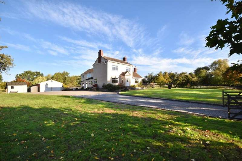 4 Bedrooms Detached House for sale in Priory Road, Dodford, Bromsgrove, B61