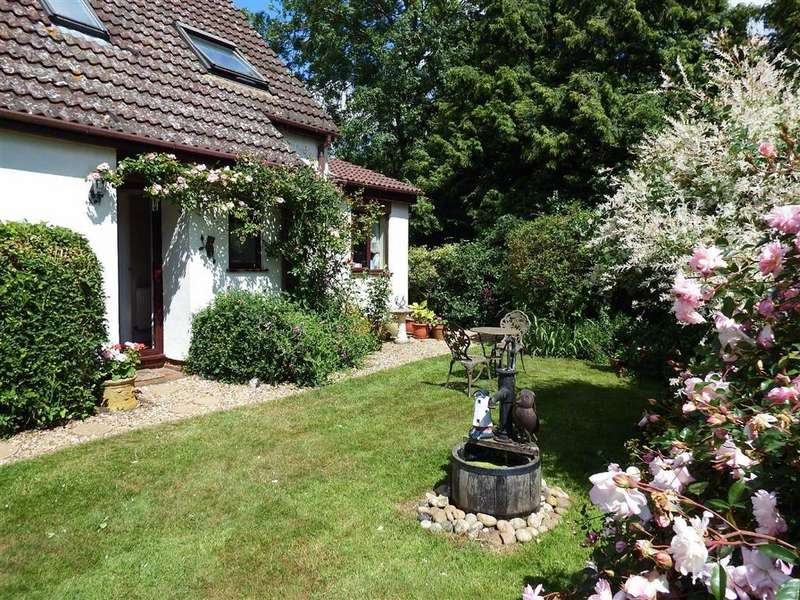 4 Bedrooms Detached House for sale in Ardeley, Hertfordshire, SG2