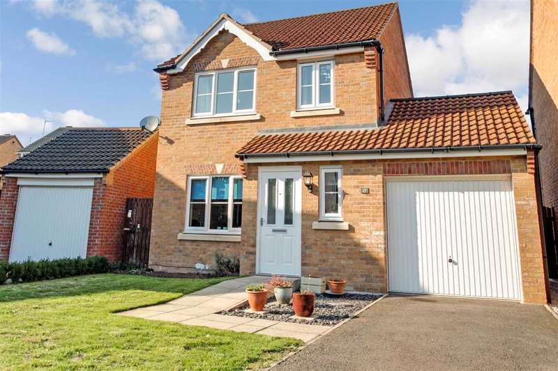 3 Bedrooms Detached House for sale in Bracken Court, South Hykeham, Lincoln