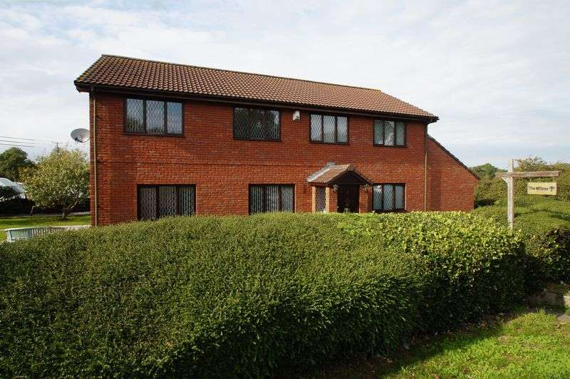 3 Bedrooms Property for sale in Edithmead, Highbridge