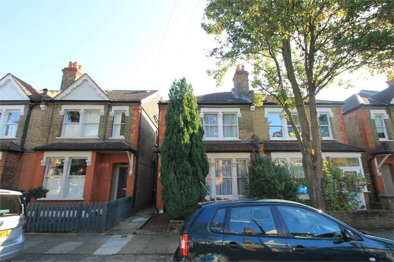 3 Bedrooms Semi Detached House for sale in Solna Road, N21