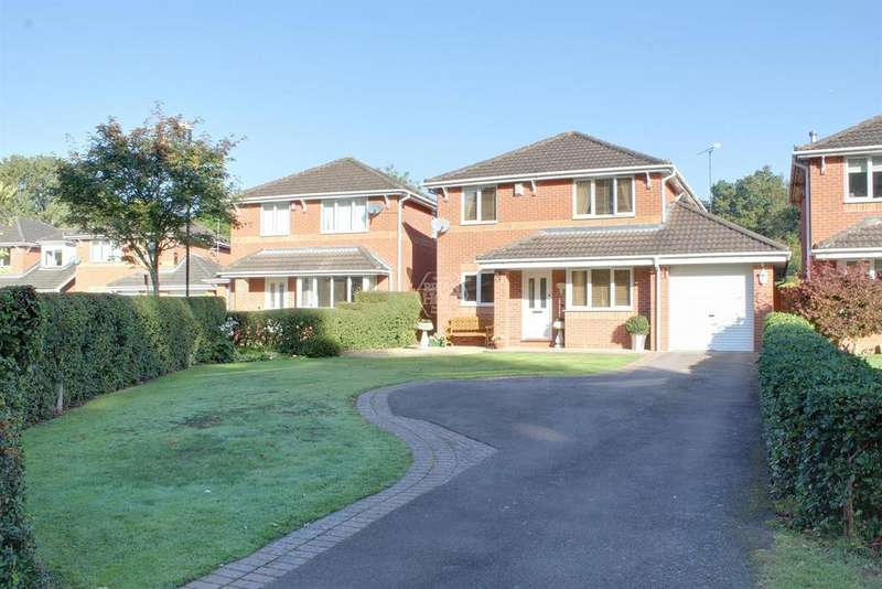 4 Bedrooms Detached House for sale in Bluebell Walk, CV4 9XR