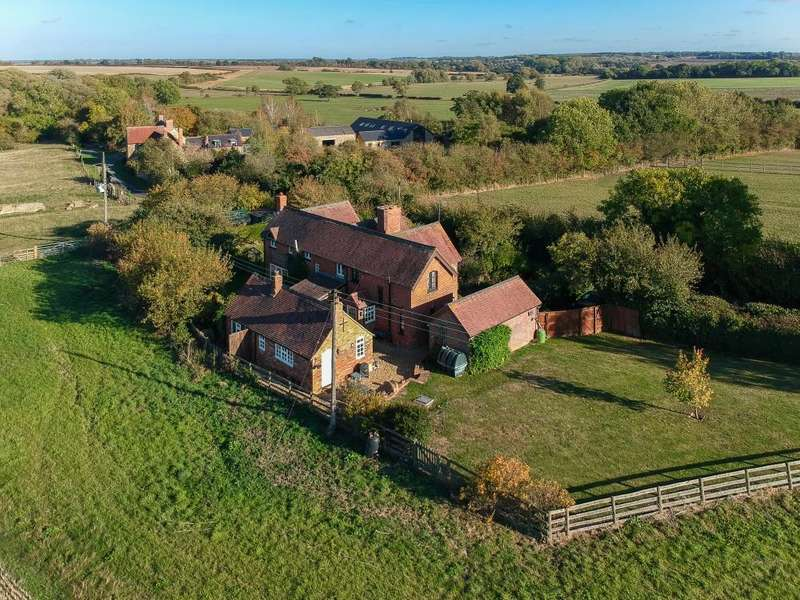2 Bedrooms Cottage House for sale in Barretts End, Leckhampstead, Buckingham