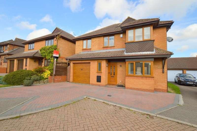 5 Bedrooms Detached House for sale in Charndon Close, Barton Hills, Luton, LU3 4DU
