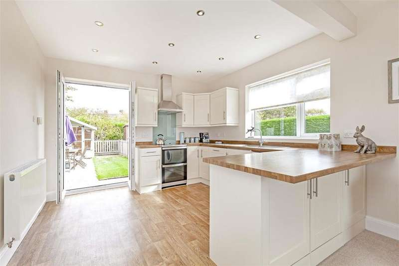 2 Bedrooms Detached Bungalow for sale in Newbridge Lane, Old Whittington, Chesterfield