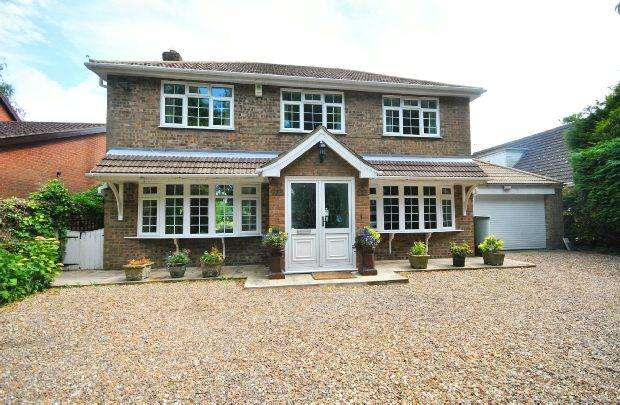 4 Bedrooms Detached House for sale in Church Lane , Utterby