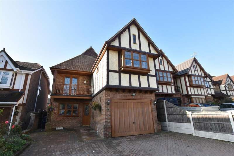 5 Bedrooms Detached House for sale in Nore Road, Eastwood, Leigh-On-Sea