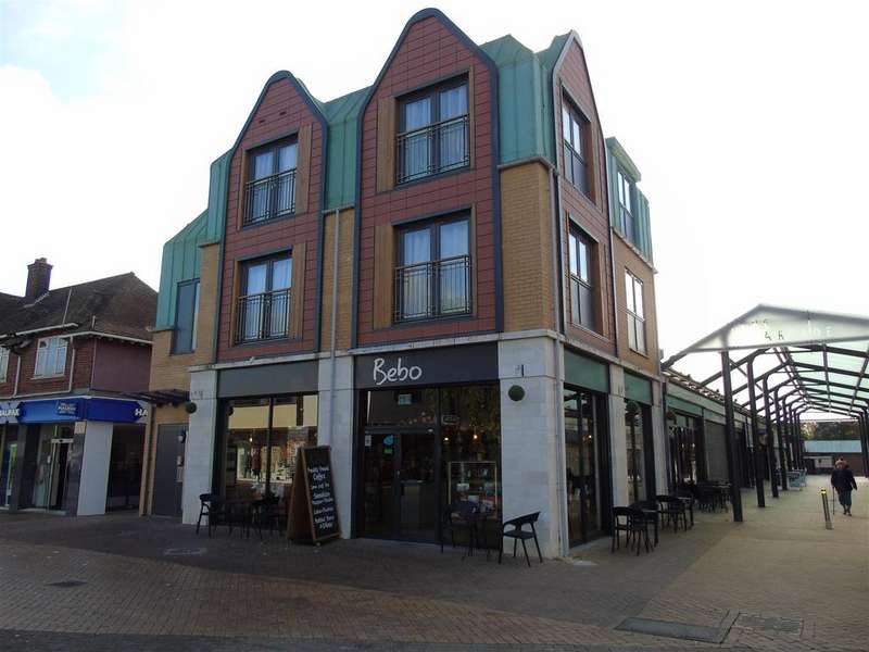 2 Bedrooms Apartment Flat for sale in Town Centre, Hatfield