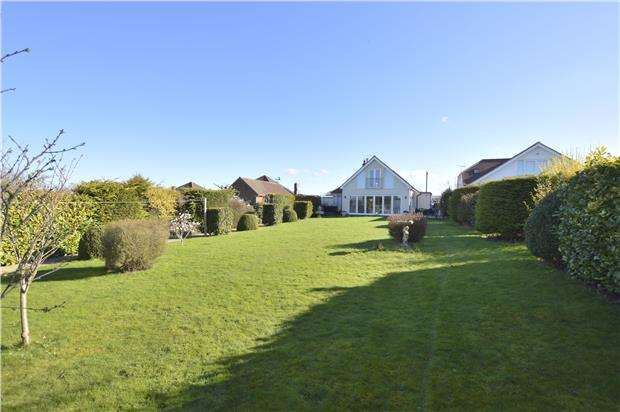 5 Bedrooms Detached House for sale in Kidnappers Lane, CHELTENHAM, Gloucestershire, GL53 0NL