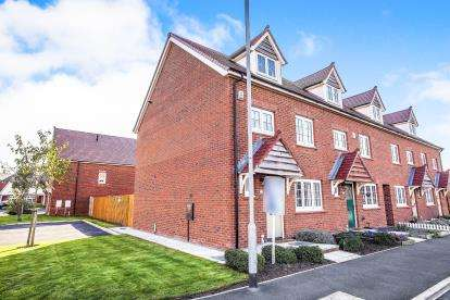 4 Bedrooms End Of Terrace House for sale in Windward Avenue, Fleetwood, Lancashire, ., FY7