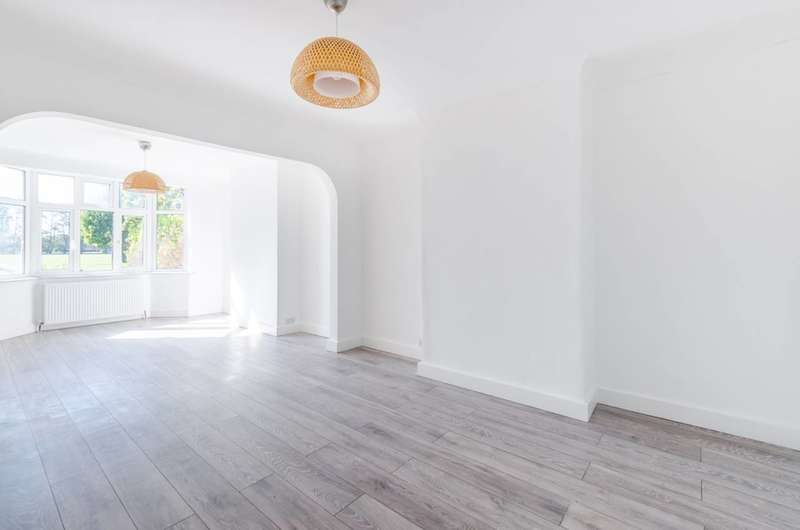 4 Bedrooms House for sale in Manship Road, Mitcham, CR4